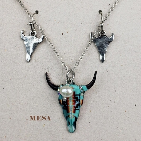 WESTERN COWGIRL NECKLACE