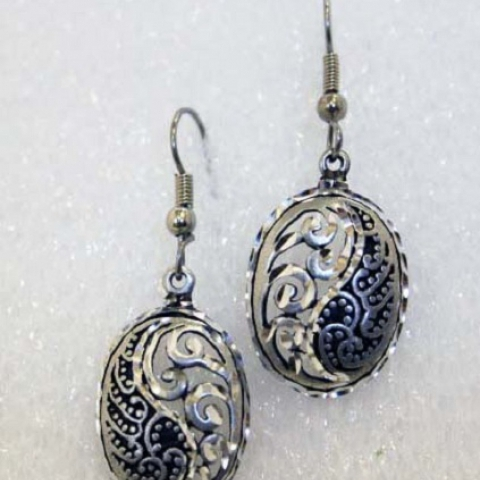 Pewter Paisley Oval Earrings